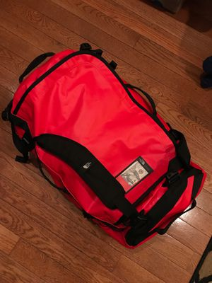 The North Face XL Duffle Bag for Sale in Brooklyn, NY