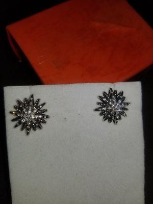 VS DIAMOND EARRINGS DESIGNER for Sale in Tacoma, WA