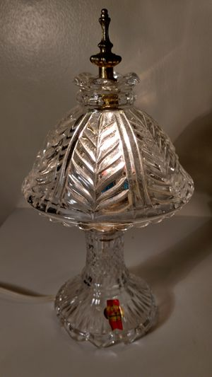 Vintage crystal glass shade 11.5 in tall parlor lamp for Sale in Columbus, OH