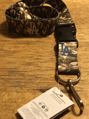 BRAND NEW MLB LOS ANGELES DODGERS TEAM LOGO CAMO LANYARD WITH BREAKAWAY KEYCHAIN for Sale in Seaford, DE