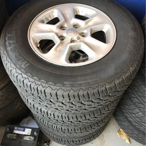 Jeep Wheels and Tires 265/70r17 for Sale in Tacoma, WA