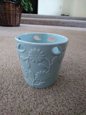 Small flower vase for Sale in Phoenix, AZ