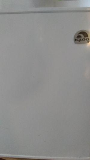Mini igloo freezer for Sale in Modesto, CA