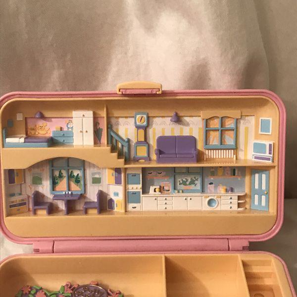 Vintage Collectible 1990 Bluebird Toys Company Polly Pocket Hair Pink Compact Play Set