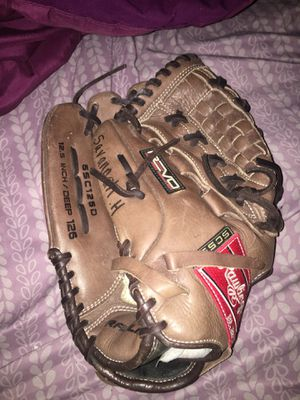 Softball glove (right hand) Youth for Sale in Glendale, AZ