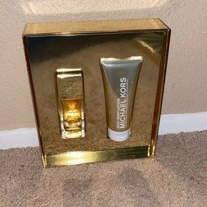 Michael Kors Fragrance Set for Sale in Winter Haven, FL
