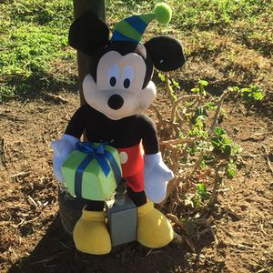 """Micky And Minnie 18"""" Plush Almost New Great For gifts for Sale in San Diego, CA"""