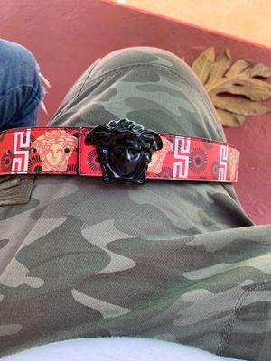 Versace belt for Sale in Miami, FL