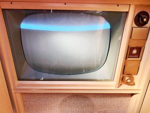 Old vintage mid century tv for Sale in Graham, WA
