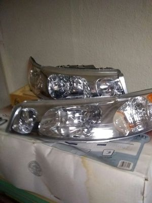 2008 Lincoln Town car headlights $125 for Sale in Detroit, MI