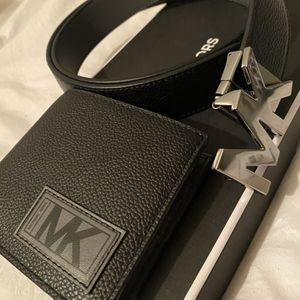 Michael Kors Belt And Wallet (New) for Sale in Fontana, CA