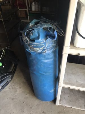 Permabulit punching bag for Sale in Potterville, MI