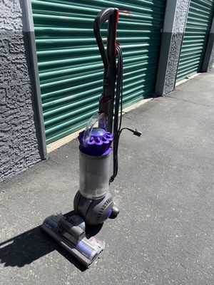Dyson vacuum (for parts) for Sale in Las Vegas, NV