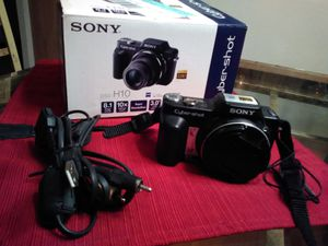 Sony cyber-shot camera for Sale in Fairview Heights, IL
