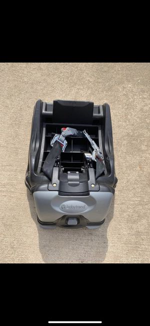 BabyTrend Car seat base for Sale in Round Rock, TX
