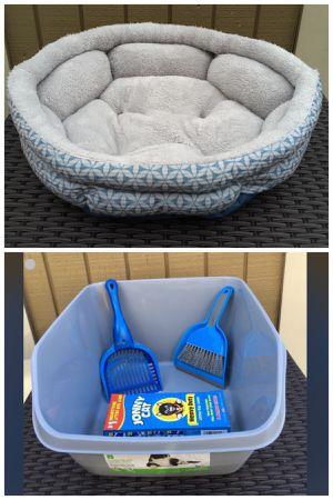 Cat pet bed, cat litter box, scoop, dust pan & brush, bonus free liners! Lot for Sale in Nashville, TN