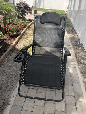 Anti-gravity black chair like new for Sale in Lutz, FL