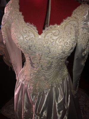 Vintage Wedding Dress - Size 10W for Sale in Norwood, MA