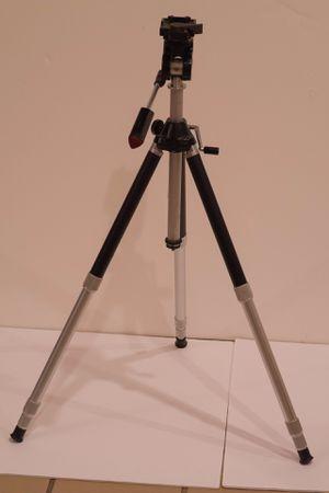 Star D compact camera tripod for Sale in Shoreline, WA