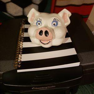 1950 Ceramic blue Eyed piggy head for Sale in DeFuniak Springs, FL