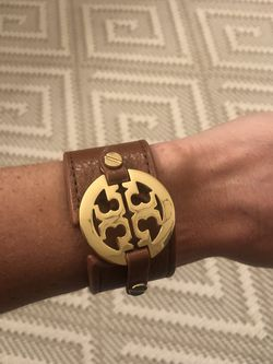 Tori Burch Leather And Gold Bracelet for Sale in Nashville,  TN