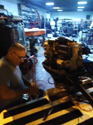 Mecánico de bote experiencia for Sale in Carol City, FL