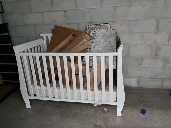 free infant wooden white crib