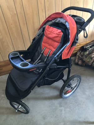 Graco jogging stroller for Sale in Industry, PA