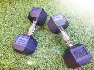 Last one! BRAND NEW Set. 25lb dumbbells. 25 lb weights. for Sale in Los Angeles, CA