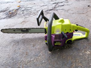 "Chainsaw POULAN WILD. 18"" no start. Need work in the carvurator. it turns when. I put gas in the carvurator. but it turns off.again. $55. Obo for Sale in Elgin, IL"