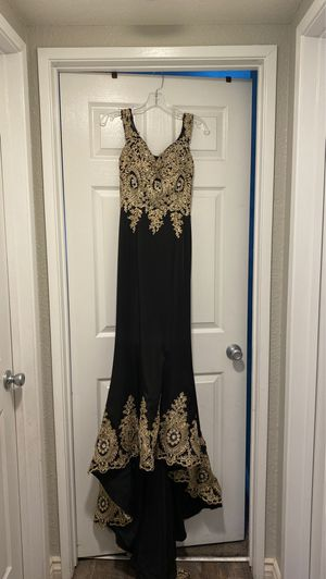 Black and Gold Prom dress for Sale in Moreno Valley, CA