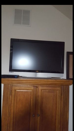 VIZIO 42IN 720P LCD HDTV for Sale in Cape May, NJ