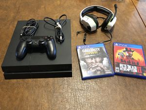 Ps4 w/games and headphones for Sale in Seattle, WA