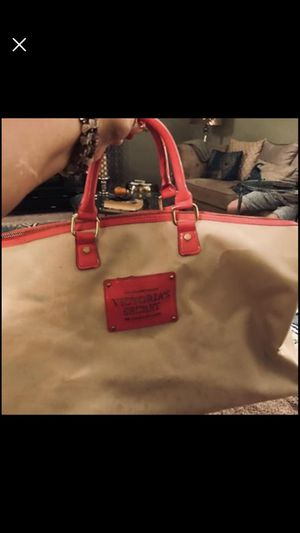 Victoria's Secret Duffle and large tote bags Pick up in Horsham. for Sale in Horsham, PA
