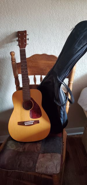 Yamaha FG-JUNIOR Acoustic Guitar with Leather Gig Bag for Sale in Denver, CO