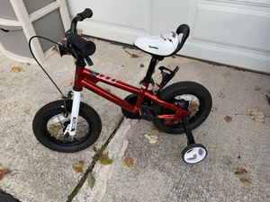 Boys bike with training wheels like new for Sale in VA, US