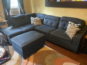 Reversible Sectional w/ Ottoman for Sale in Carlstadt, NJ