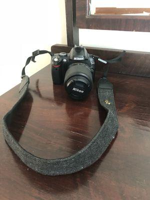 Nikon D40 DSLR w/ 55-200mm Nikkor Lens for Sale in Nashville, TN
