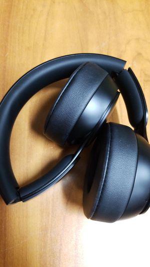 Beats Solo Pro Headphones- on Ear, Wireless, A1881 for Sale in Los Angeles, CA