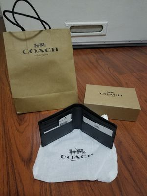 New Coach Leather wallet genuine authentic for Sale in Long Beach, CA