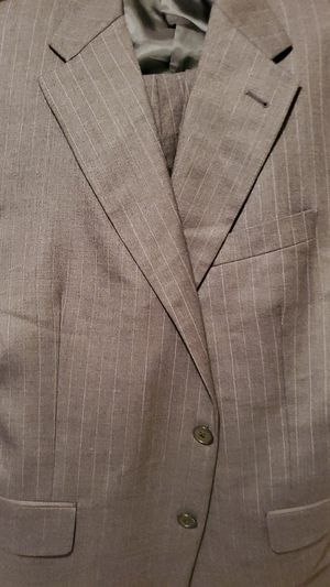 Burberry 100% wool suit size 40R for Sale in Miramar, FL