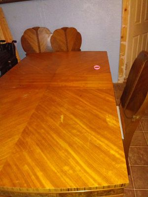 Kitchen table and hutch for Sale in Grindstone, PA