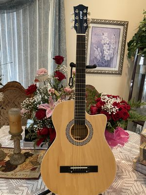 natural fever 38 inches classic acoustic guitar with metal strings for Sale in Bell, CA