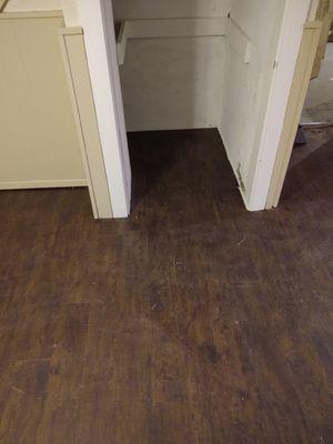 Laminate floor installer for Sale in Trenton, OH