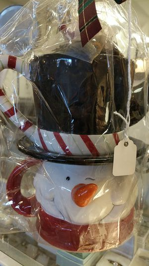CHRISTMAS TEA POT for Sale in Leesburg, VA