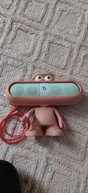 Beats pill Bluetooth speaker with case for Sale in Orlando, FL