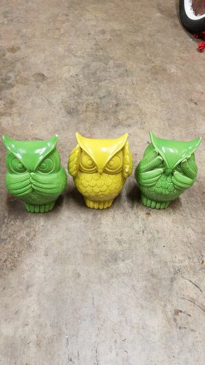 Set of three beautiful owel / home decor. Prices for all for Sale in Everett, WA