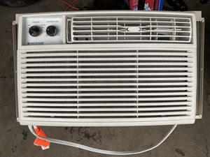 5000 BTU Frigidaire air conditioner for Sale in Beacon Falls, CT