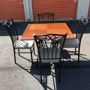 Dining Table for Sale in Woodbridge, VA