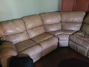 Brown couch for Sale in Hacienda Heights, CA